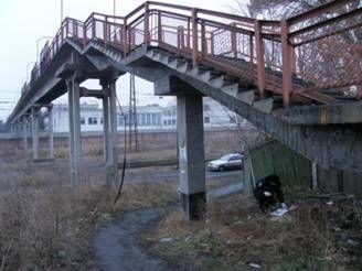 В Черкасской области на железнодорожной станции нашли тайник с боеприпасами