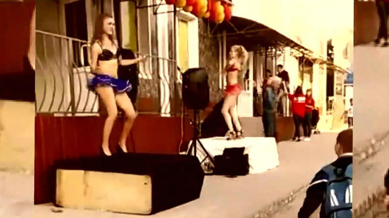 Юні голі дівчата відео, фото порно анатомия