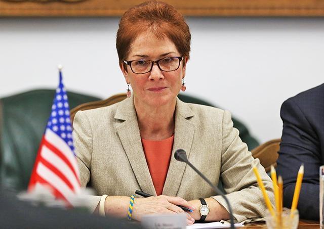 США настаивают, что в Москве требовали дипломатические визы для учителей