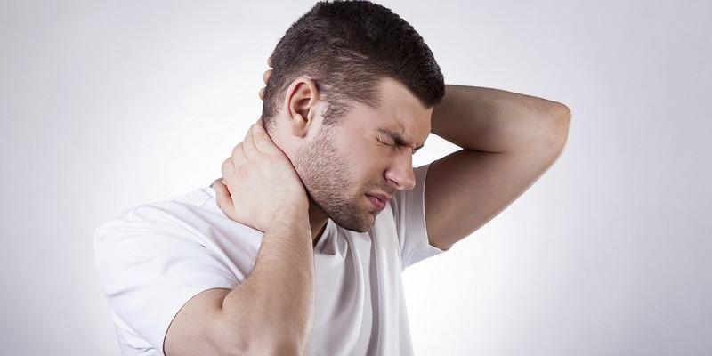 Боли в спине в области поясницы: причины, что делать и как