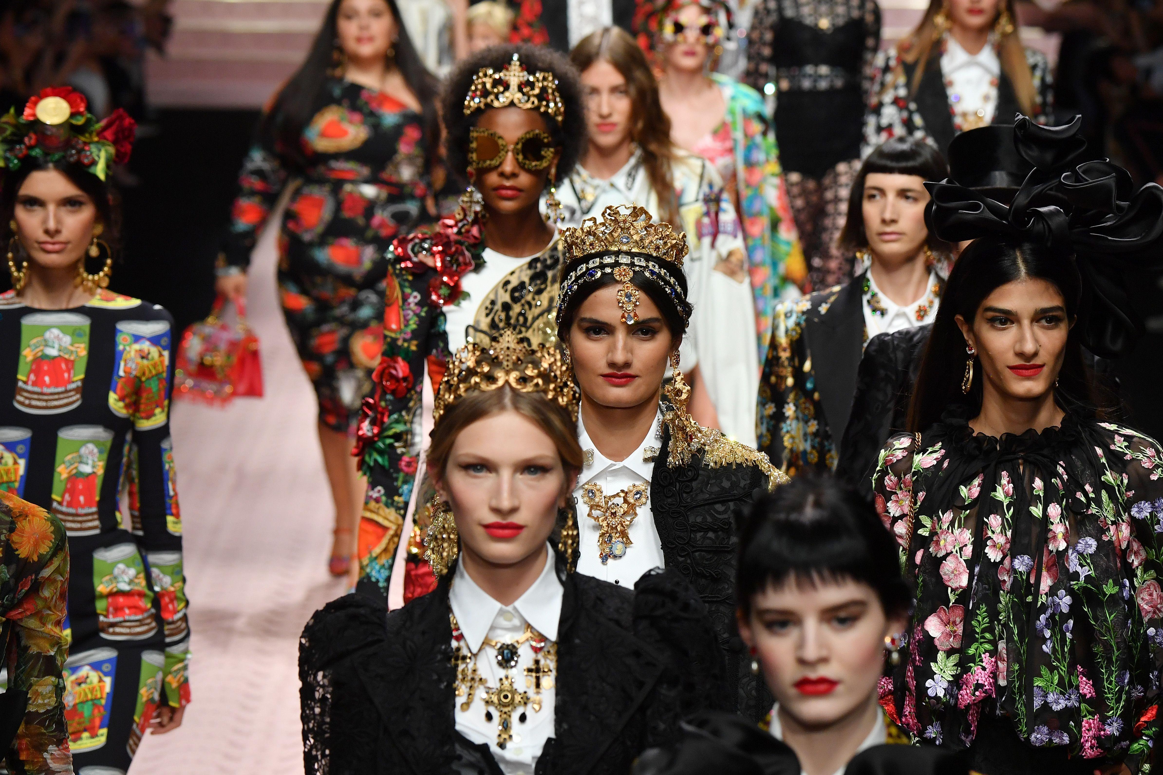 У рамках Тижня моди в Мілані відбувся один з найяскравіших показів aa43625d3008d
