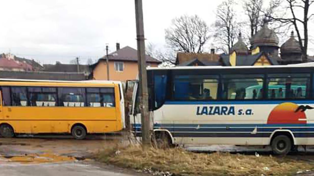 Як за комунізму: на виступ Тимошенко зігнали понад 20 автобусів масовк