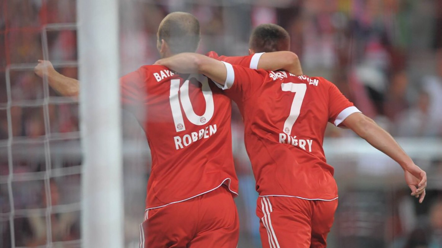 """баварія – ліверпуль Photo: """"Баварія"""" зворушливо оголосила про відхід зіркового"""