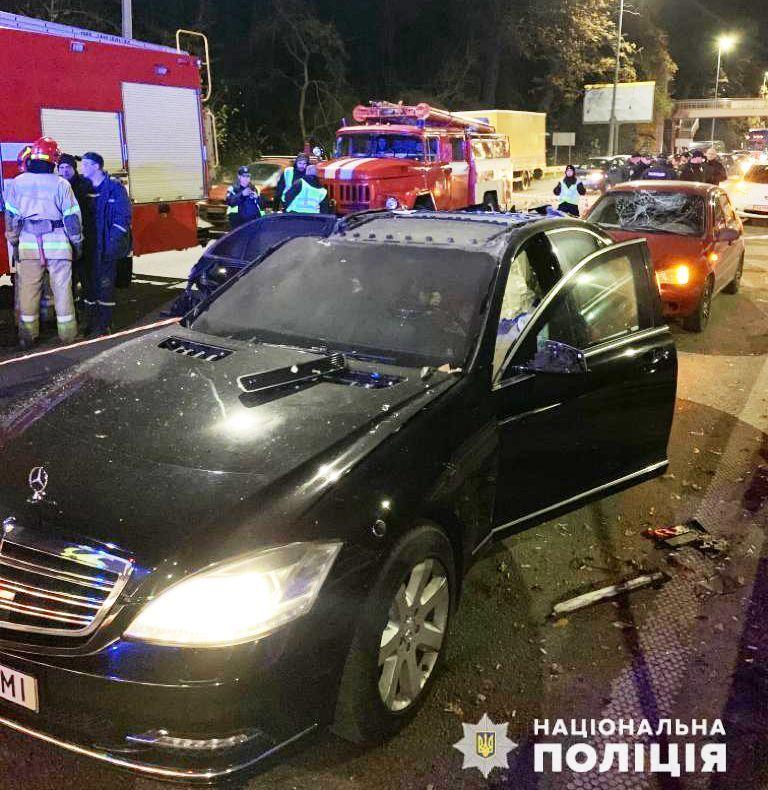 Вибух Київ автомобіль Харківське шосе мотоцикліст кинув вибухівку