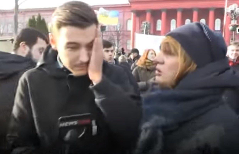 Федорко плюнув у лице журналіста newsone