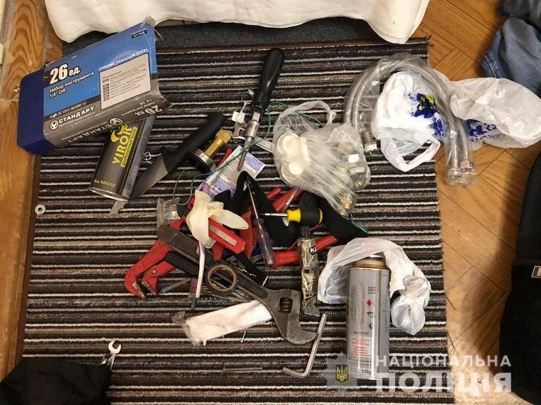 підрив Ощадбанк затримання підозрювані кримінал поліція фото