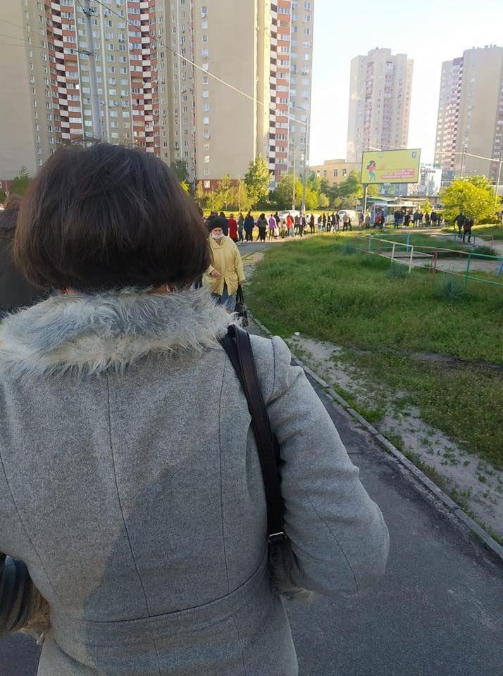 Черги на громадський транспорт у Києві