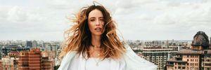 Надя Дорофеева засветила талию в блестящем мини-платье: сексуальный образ