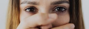 Як захистити себе від насильства: поради для жінок