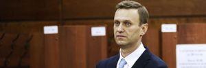 """Нові деталі отруєння Навального: сліди """"Новачка"""" знайшли не лише на пляшці з водою"""