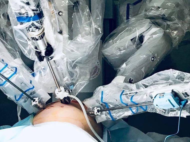 Першим пацієнтом робота-хірурга став 50-рчний чоловік з міста Броди