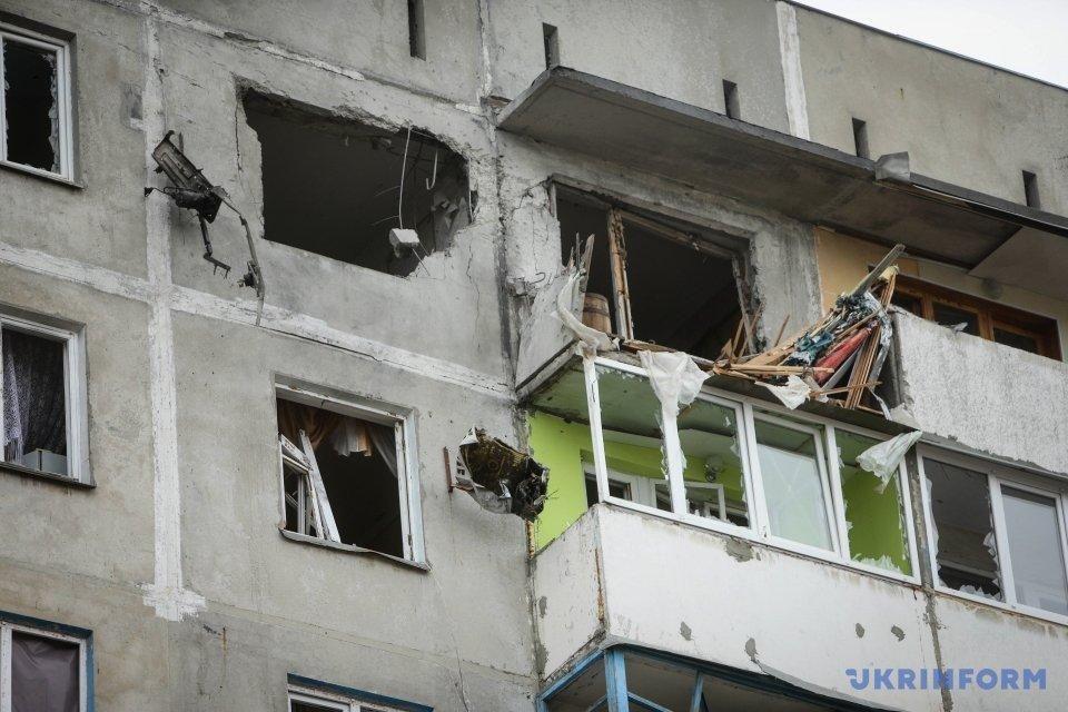Обстріляний житловий квартал