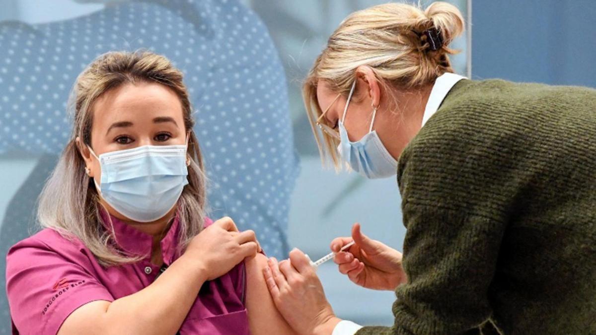 В США более 500 человек умерли после вакцинации