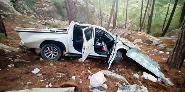 Авто, що полетіло в прірву у Туреччині