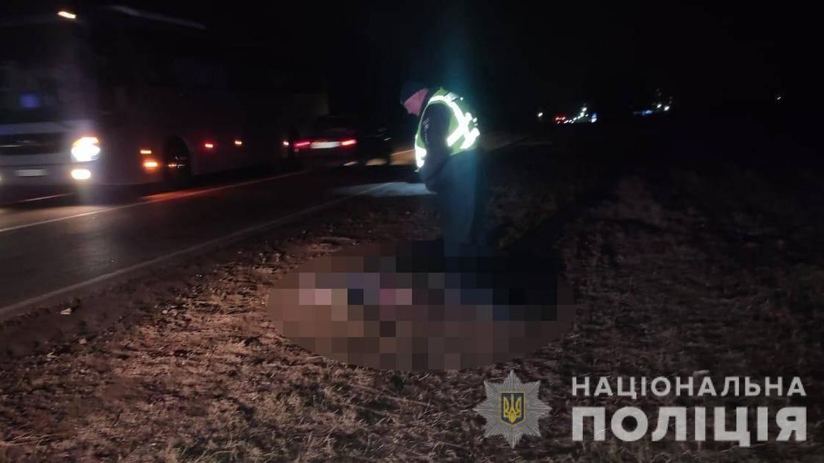 На Одещині біля дороги знайшли понівечені тіла двох чоловіків