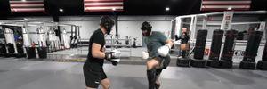 На рингу зійшлися боєць UFC, бодибілдер і володар чорного пояса з карате: відео епічного бою