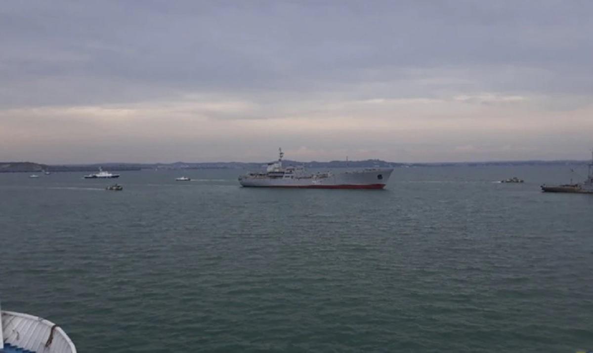 У Росії обіцяють не обмежувати рух торгових суден через Керченську про
