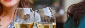 Кожен 3 українець взагалі не вживає алкоголь: результати опитування