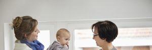Як обрати няню для дитини: на що звертати увагу та які питання ставити