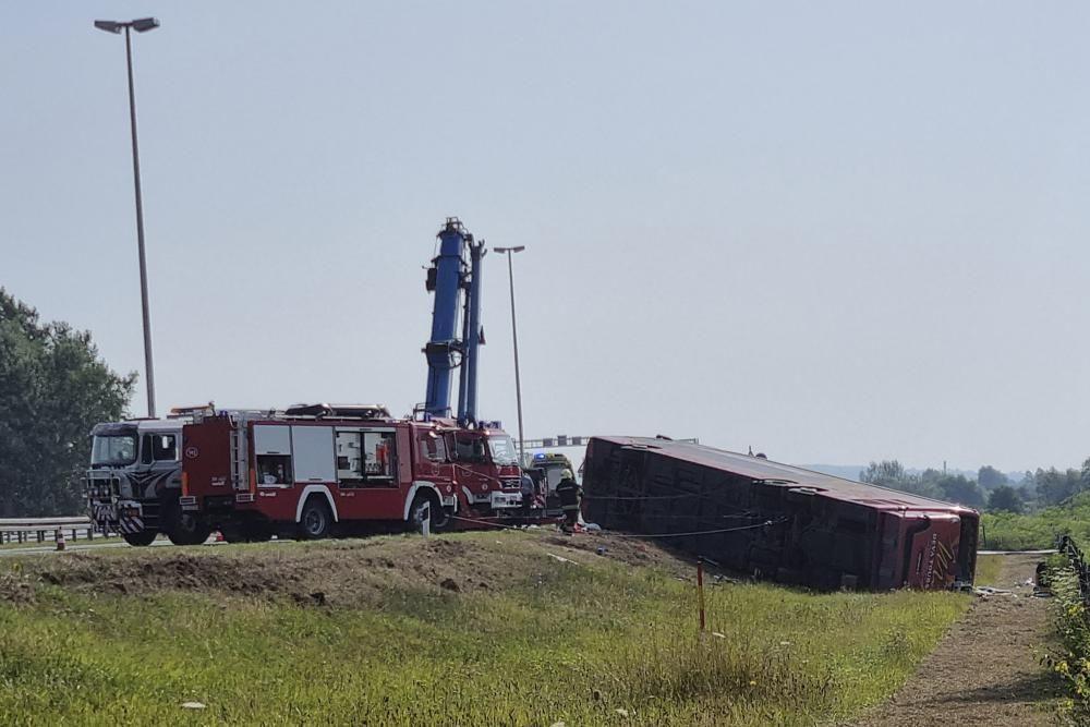 Внаслідок ДТП загинули 10 людей