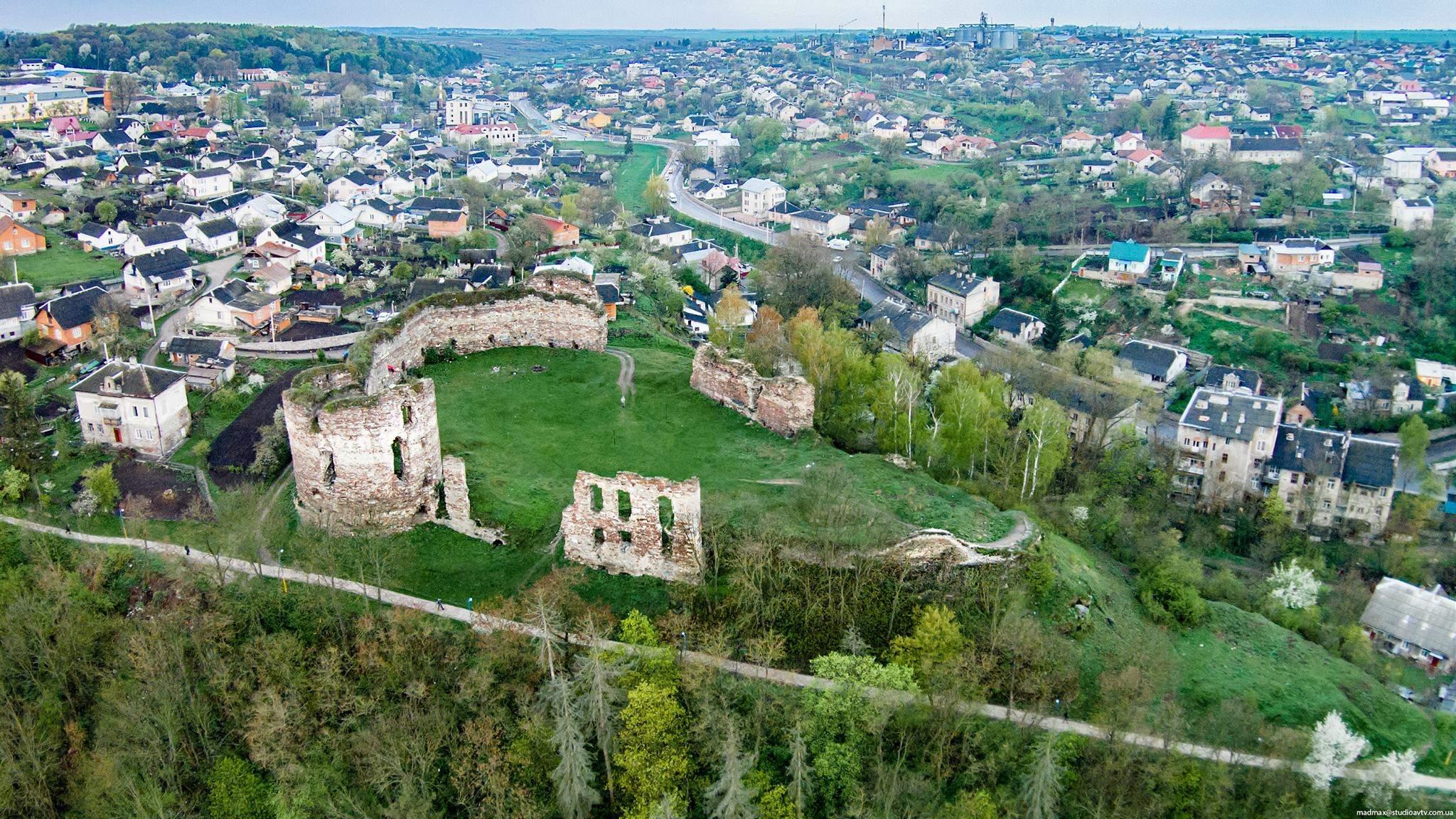 БУчацький замок на Тернопільщині
