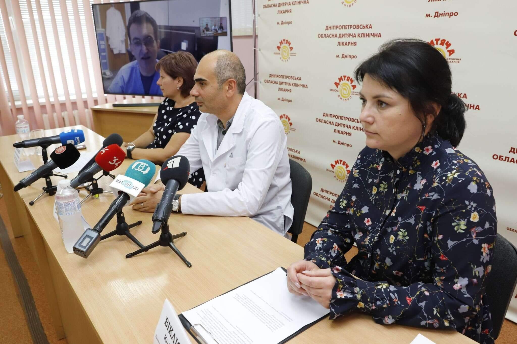 Американські хірурги Лікарі Опіки Операція безкоштовно 28 серпня 2021 Дніпро