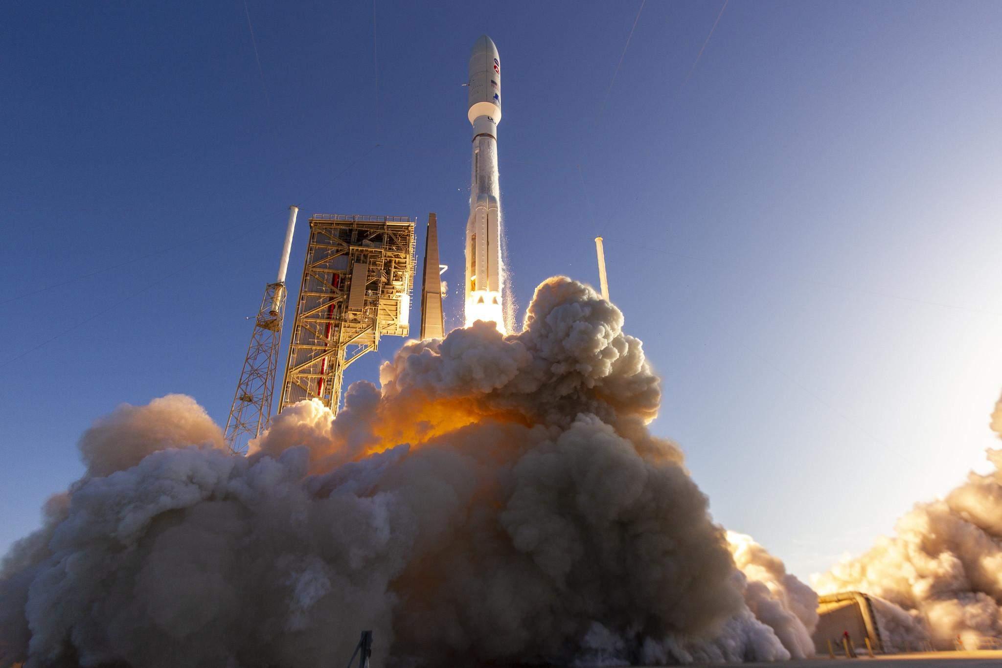Атлас 5 виведе супутники Джефа Безоса