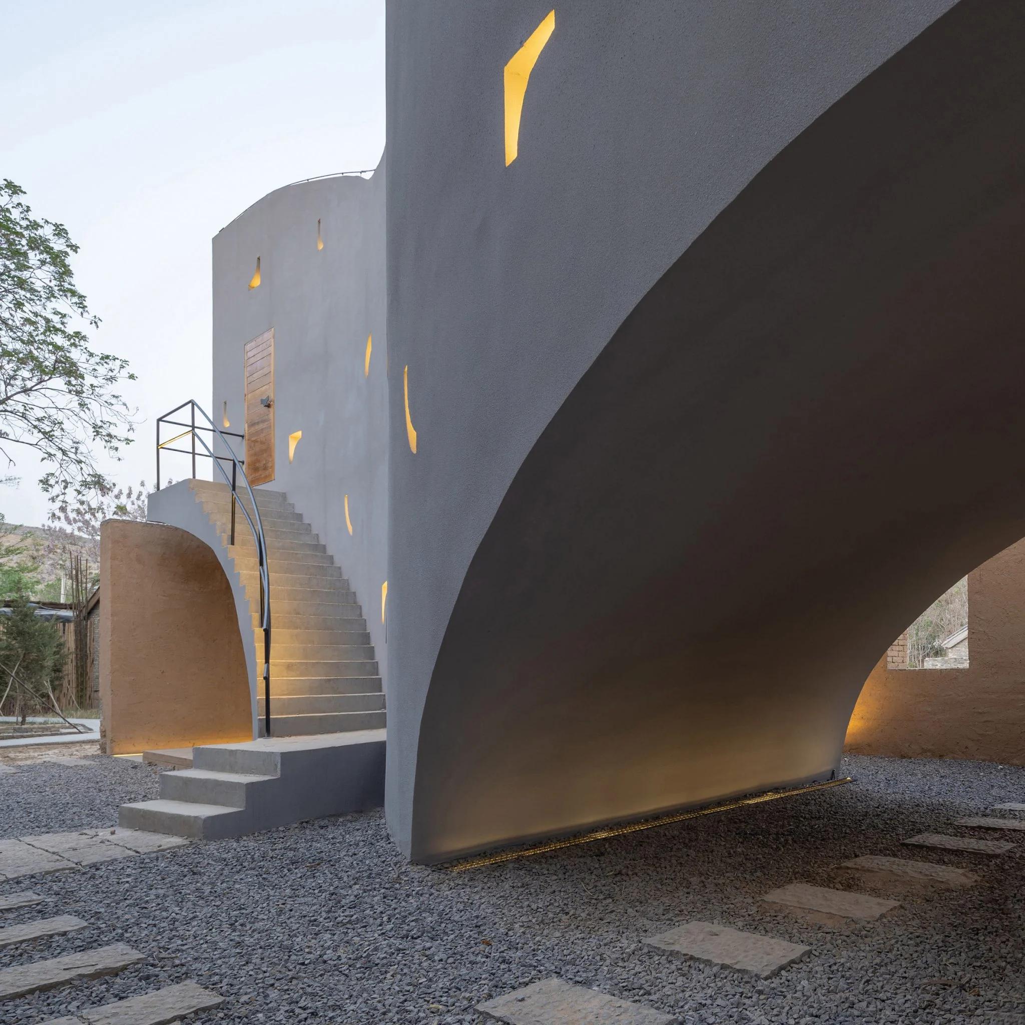 Архітектори перетворили закинуте приміщення у сучасну бібліотеку