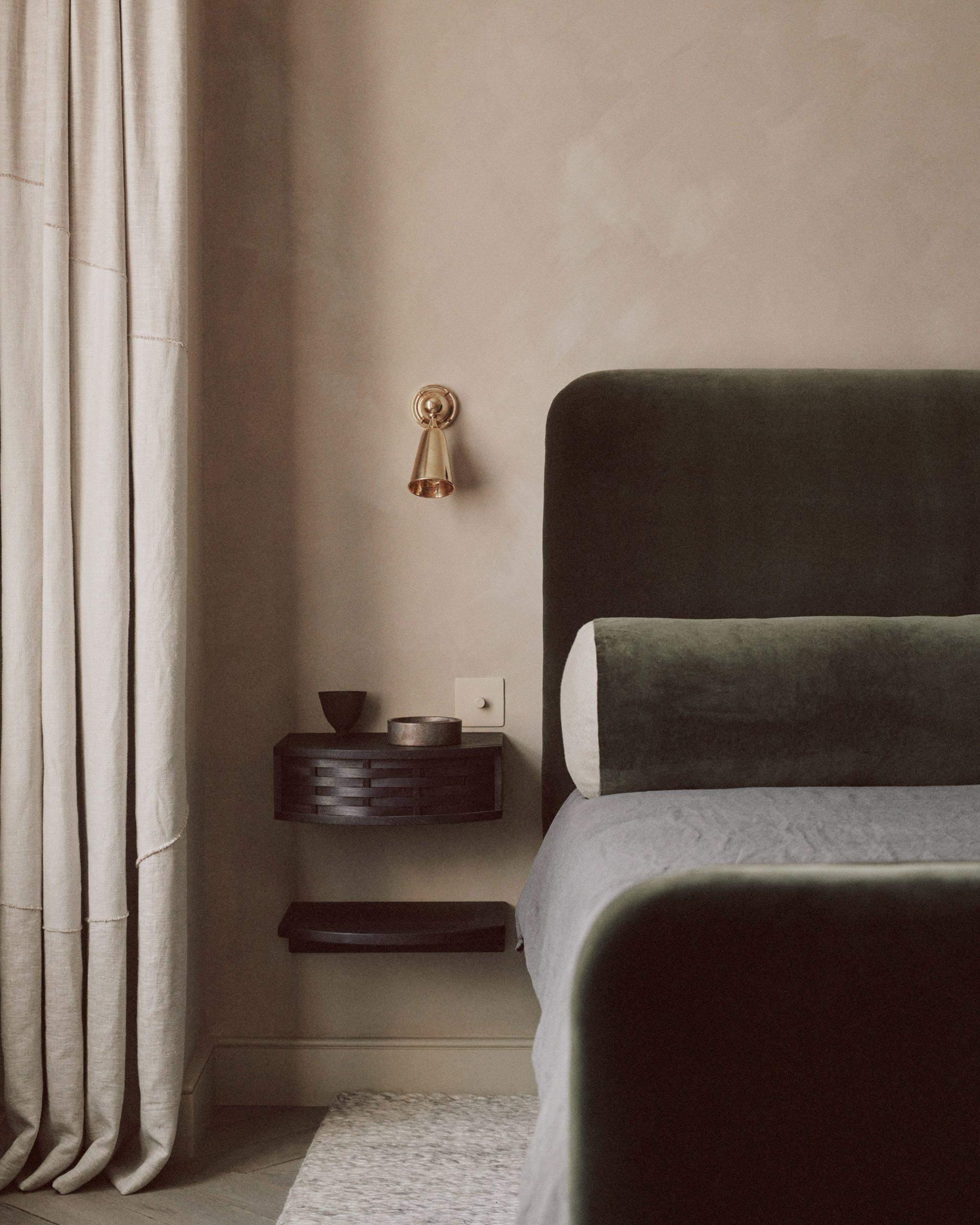 Спальня у відтінках зеленого