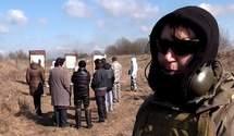 Жінки-добровольці проходять військовий вишкіл