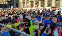 На Київський марафон з'їхалися десятки тисяч людей: перші враження та фото