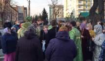 Вербное воскресенье и карантин: украинцы несмотря на ограничения идут в храмы – фото и видео
