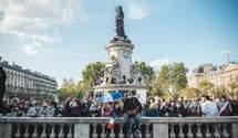 Чеченец обезглавил учителя во Франции: несколько тысяч вышли на акцию в Париже – фото, видео
