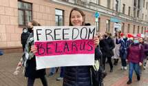 В Беларуси состоялся женский марш: силовики стянули технику, есть задержанные – фото, видео