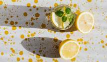 В очікуванні лікаря: 4 напої, які допоможуть зменшити біль в горлі