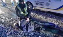 В Мукачево произошла стрельба посреди улицы: есть пострадавший