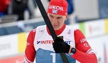 Лыжник из Норвегии на финише сломал палку представителю России: россиянин проиграл гонку – видео
