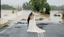 Наречена не могла потрапити на весілля через потоп: що її врятувало