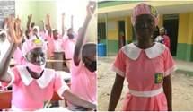 В Нигерии женщина в 50 лет впервые пошла в школу: фото
