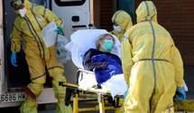 Снимал маску и кашлял: в Испании мужчина умышленно заразил 22 человека, из них трое – младенцы