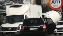 У Києві на Харківському шосе у ДТП постраждали 3 автівки