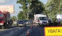 Під Києвом розбились 3 автівки: лікарі не змогли реанімувати жінку