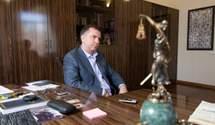 Из кабинета Вовка могли по телефону координировать влияние на судей КСУ, – журналист
