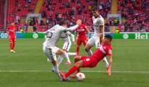 Арбитр не назначил пенальти в ворота Спартака после жуткого фола – шипами в ногу: видео