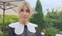 Леся Никитюк очаровала трендовым образом в блузке с воротником и стильных брюках: фото