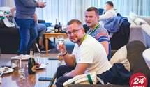 """Разумков, План трансформації, вечірка: як пройшов перший день з'їзду """"слуг народу"""" у Трускавці"""