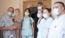 """В """"Охматдиті"""" врятували 2-річну дівчинку після відмови нирок, легень і серця: зворушливі фото"""