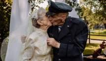 Пара відсвяткувала 77 років шлюбу: це була їхня перша весільна фотосесія