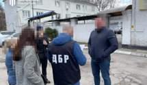 Вимагали гроші та вибивали зізнання: перед судом постануть поліцейські