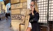 Наймодніший тренч осені – двоколірний: стильний образ показує Соня Лисон